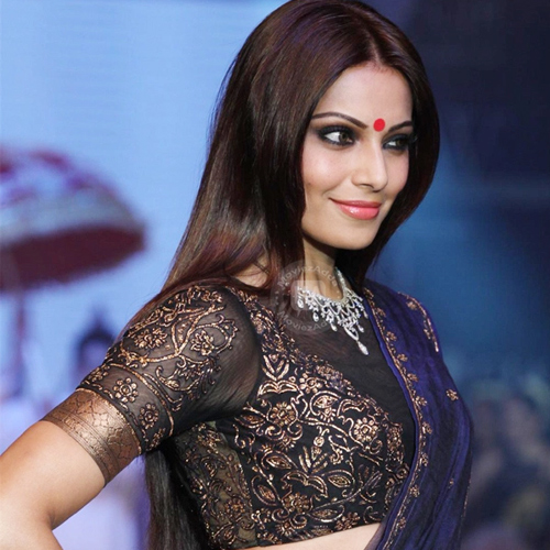 10 Beauty tricks you can learn from Bipasha Basu, 10 beauty tricks you can learn from bipasha basu,  bipasha basu beauty secrets,  beauty secrets of bipasha,  health & beauty,  make up tips,  ifairer