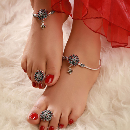 Significance of wearing Bichwa in Hinduism , significance of wearing bichwa in hinduism,  why indian married women wear toe rings,  what is the origin and significance of toe rings,  toe rings,  spirituality,  astrology,  ifairer