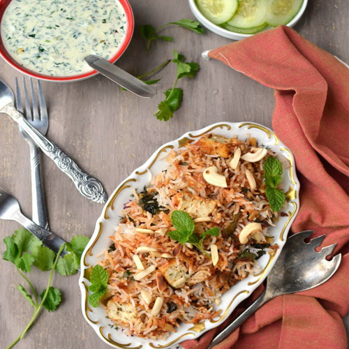 Cook Makhani Paneer Biryani at your home