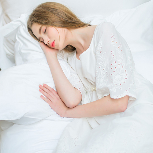 4 Effect of direction on sleeping position, effect of direction on sleeping position,  spiritual effect of sleeping facing feet at west,  how the direction you sleep affects you,  sleeping positions,  best sleeping direction,  sleeping position,  spirituality,  ifairer