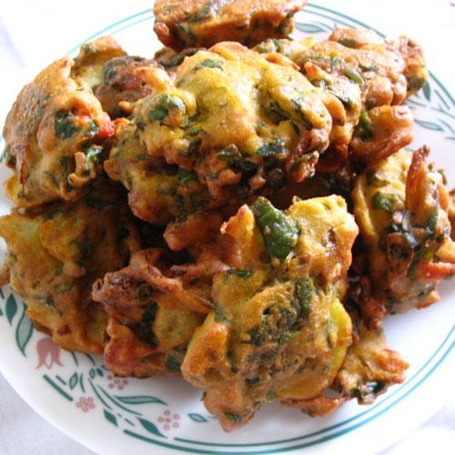 Enjoy Monsoon with Onion Pakora, enjoy monsoon with onion pakora,  recipe of onion pakora,  how to make onion pakora,  onion pakora,  latest recipe of ifairer,  ifairer,  latest recipe of onion pakora,