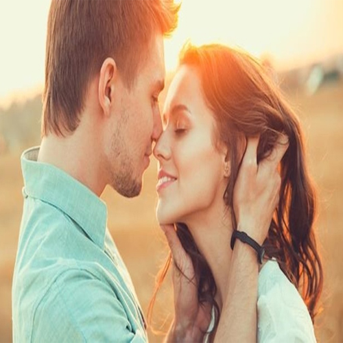 How to easily seduce a woman , how to seduce a woman,  how to make a woman physically fall for you,  tips to seduce woman easily,  how to sexually arouse her,  ifairer