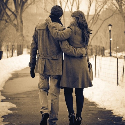 7 Signs She is Dating You Only To Respect Your Feelings, 7 signs she is dating you only to respect your feelings,  signs she`s just not that into you,  signs she is not interested in you,  how to find out if a girl is not interested in you,  dating tips,  ifairer