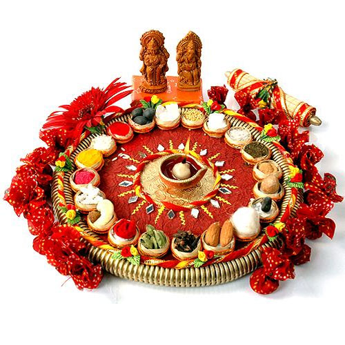 Karwa chauth thali gallery for Aarti thali decoration with flowers