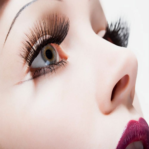 5 Tips To Curl Your Eye lashes, 5 tips to curl your eye lashes,  make up tips,  beauty tips,  how to curl your eyelashes,  secret ways to curl your eyelashes,  ways to curl your eyelashes,  differebt ways to curl your lashes,  curl your eye lashes,  how to look beautiful,  ifairer