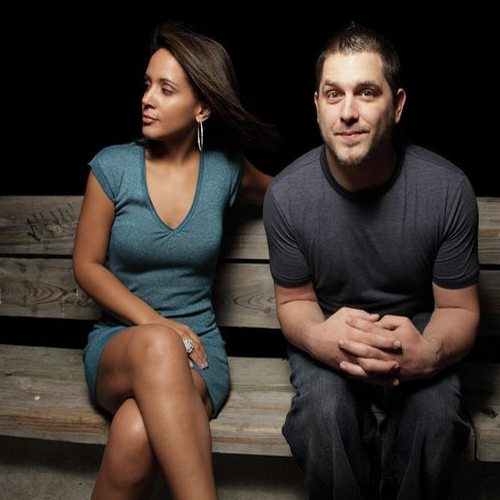 5 Tips To Deal With An Introverted Wife!, how to deal with introverted wife,  tips to deal with introverted wife,  introverted wife,  relationship,  love,  romance,  how to handle introverted wife,  ifairer