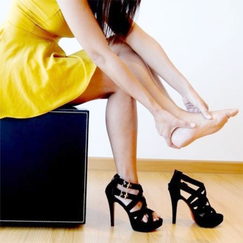 5 Tips to wear Pain free High heels, 5 tips to wear pain free high heels,  fashion,  fashion tips,  fashion trends,  fashion accessories,  fashion trends 2014,  high heels,  how to wear high heels,  precautions at the time of wearing high heels,  high heels wearing tips