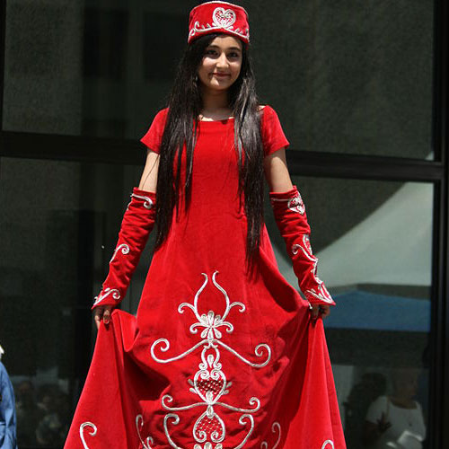 5 traditional outfits around the world turkey 6 91321 6 - Traditional Outfits Around The World