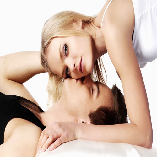 Kiss day: 7 Benefits of Kissing, everyone should know, valentine day,  valentine day special,  kiss day,  7 benefits of kissing,  everyone should know,  secrets of kissing,  love & romance,  relationships tips,  kiss day special,  ifairer