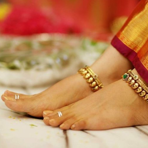 Why do people wear toe rings