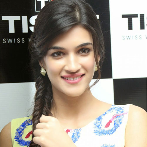 7 Unknown facts about Kriti Sanon, 7 unknown facts about kriti sanon,  kriti sanon,  intresting facts about kriti sanon,  surprising facts about kriti sanon,  bollywood news,  bollywood gossip,  latest bollywood updates,  ifairer