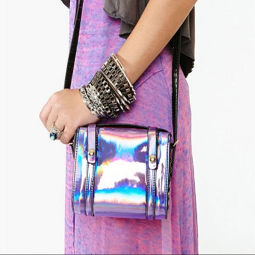 8 Hologram Bags to try!!, stella mccartney,  hugo boss,  proenza schouler,  kate bosworth,  beyonce,  kate moss,  spice up your handbag collection,  fun,  futuristic hologram bag,  outburst of hologram accessories,  hologram accessories,  fashion,  fashion accessories