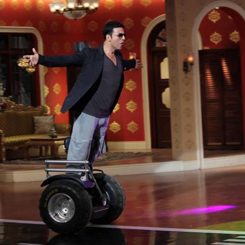 Akshay Kumar's Masti on the sets of Comedy Night With Kapil, comedy nights with kapil,  akshay kumar,  colors,  kapil sharma,  holiday a soldier is never off duty,