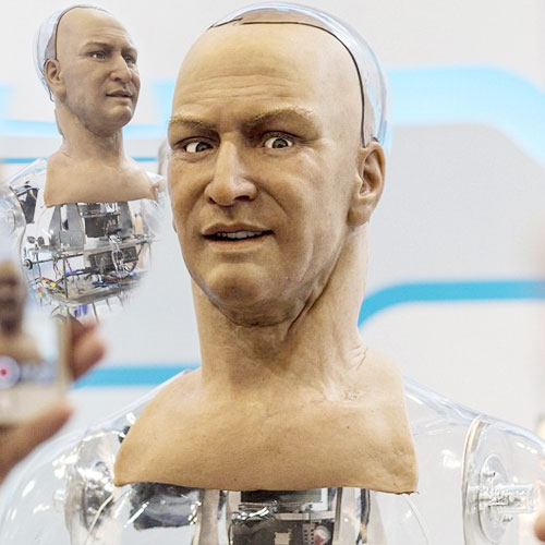 Amazing robot understands speech,makes eye contact, amazing robot can understand speech and make eye contact,  a robot engage you in witty dialogue,  amazing robot,  robo make eye contact,  general articles,  ifairer