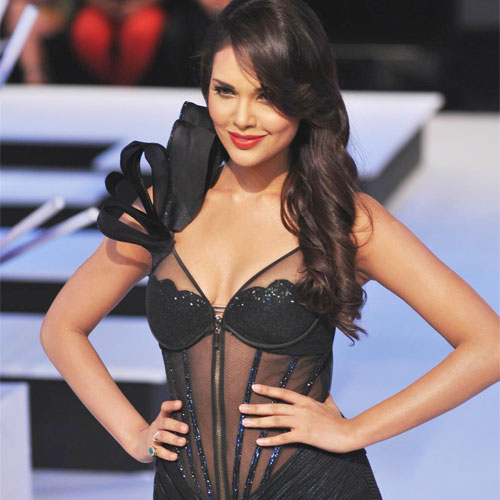 B'Day Special of Esha Gupta , bday special of esha gupta,  esha gupta,  happy birthday esha gupta,  bollywood news,  bollywood celebs birthday,  bollywood updates,  ifairer