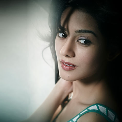 7 Lesser known facts about Amrita Rao , bollywood actress amrita rao,  b`day:7 lesser known facts about amrita rao,  interesting acts about amrita rao,  unknown acts about amrita rao,  things to know about amrita rao,  bollywood news,   bollywood gossip,  ifairer