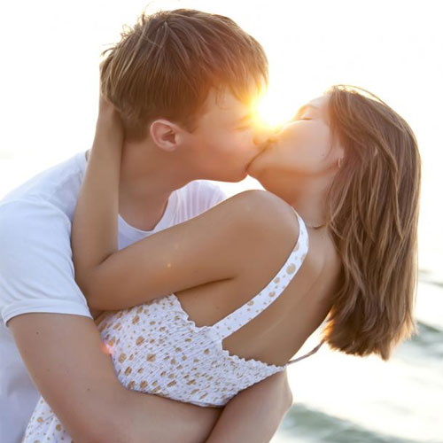 How to Make her Feel Special?, how to make her feel special,  5 tips to make her feel good,  how to,  how to make her happy,  relationship,  dating,  advice,  dating tips,  relationship advice,  love an romance,  ways to make her feel special