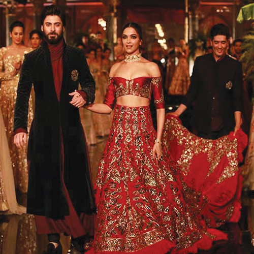 India Couture Week: Deepika steals the show in Manish Malhotra Lehenga, india couture week,  deepika steals the show in manish malhotra lehenga,  deepika padukone and fawad khan at india couture week,  deepika padukone,  fawad khan,  fashion trends,  ifairer