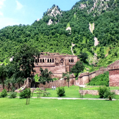 India Most Haunted places, destinations,  india most haunted places, haunted places in india.
