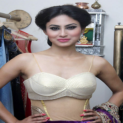 Mouni Roy new looks on Colors, mouni roy new looks on colors,  is mouni roy the new golden girl of colors,  mouni roy to be the next face of colors,  colors tv,  mouni roy,  tv gossip,  tv buzz,  tv masala,  tv serial latest news,  upcoming tv shows,  ifairer