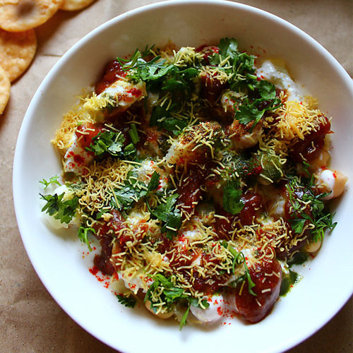Mouthwatering  Dahi Papri Chat, mouthwatering  dahi papri chat,  latest article,  latest recipe,  desserts drinks,  main course,  tea time recipes,  how to make paapri chat