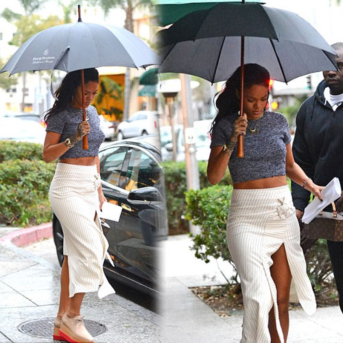 Rihanna sizzles in crop top and exposing skirt , rihanna sizzles in crop top and exposing skirt,  rihanna,  hollywood news,  hollywood gossips,  latest news,  ifairer