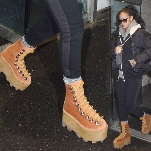 Rihanna's fashionable platform boots, rihanna in fashionable platform boots,  fashion,  fashion tips,  fashion accessories,  fashion trends,  fashion trends 2015,  rihanna,  latest news