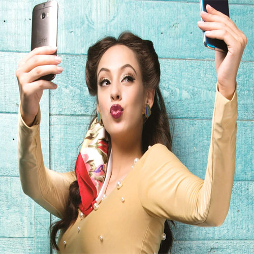 selfie self esteem and narcissistic self taken photo Our visually obsessed culture values youth and appearance over all else, and of the estimated 1 million selfies (self-portrait photographs) taken each day, 1/3 of people have admitted to altering their photos with filters and editing.
