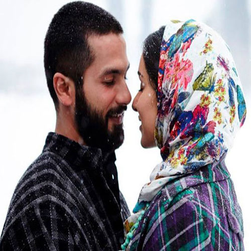 Shraddha and Shahid Romance in Snowy Kashmir, shraddha and shahid romance in snowy kashmir,  shahid kapoor,  shraddha kapoor,  latest bollywood news,  bollywood news,  latest bollywood gossip,  bollywood gossip,  haider,  haider movie updates,  latest news about haider movie,  latest movies gossip,  ifairer