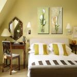 How to decor a small bedroom in a great way