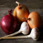 Eating Garlic, onions daily reduce colon cancer risk