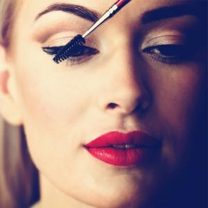 In steps:How to apply eyeliner perfectly