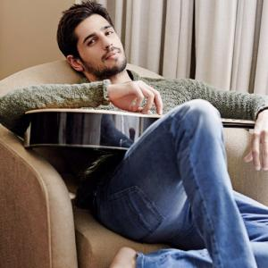 Most attractive pictures of handsome hunk Sidharth Malhotra