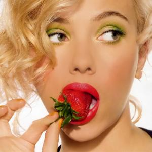 Beauty boosting fruits that gives you glowing and clear skin