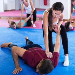 9 Self-defense moves every woman needs to know