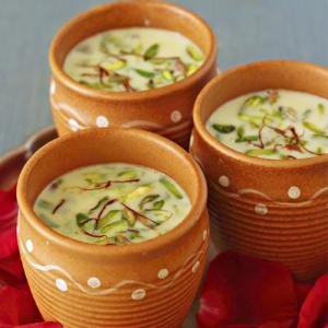 Recipe: How to make thandai