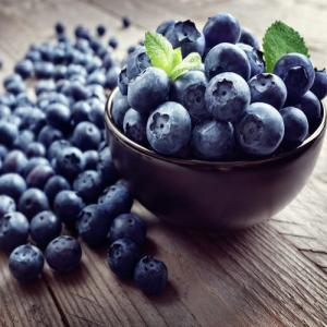 Study: Eating Blueberries Improve Heart Health