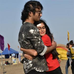 YRHPK: Abir goes down on his knees to propose Mishti