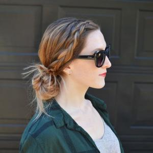 Perfect hairstyles that will save your hair on a rainy days, try this season