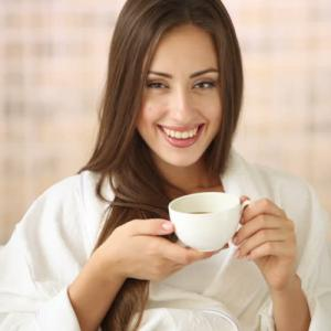 Study: Drinking hot tea raise the risk of cancer