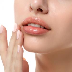 6 Tips to keep your lips soft and healthy this winter