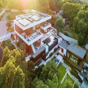 10 World Most Expensive Billionaire Homes, see once