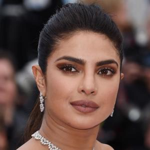Priyanka Chopra's 5 eye makeup trends, try this season