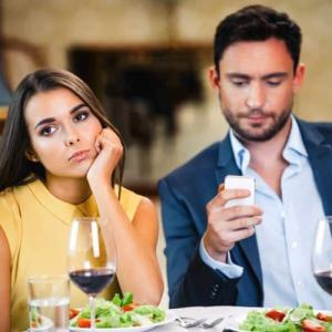 What to do: 5 Reasons why your boyfriend is ignoring you
