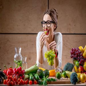 Study: Eating fruits, vegetables linked to lessening of menopause symptoms