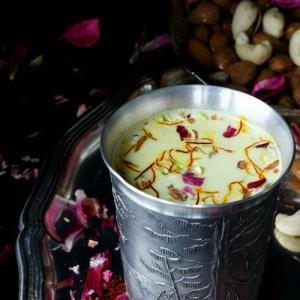Recipe: Celebrate Spirit Of Holi With Delicious Thandai
