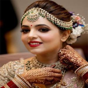 Get A Glimpse Of Desi And Stylish Sugandha Mishra Wedding Pics
