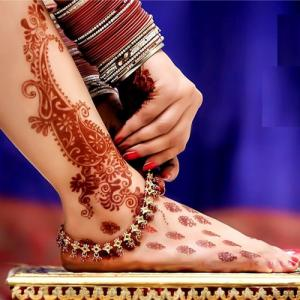 5 Reason: Why Indian women wear anklets