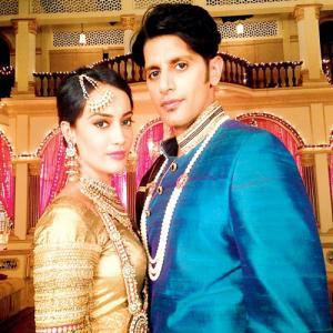 harshad arora and gunjan vijaya dating sim
