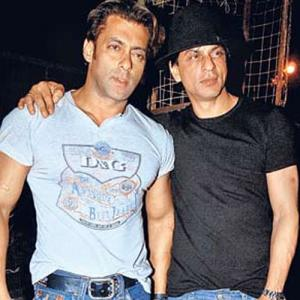 Friends Are Almost Back- Srk To Be on The Sets Of Big Boss